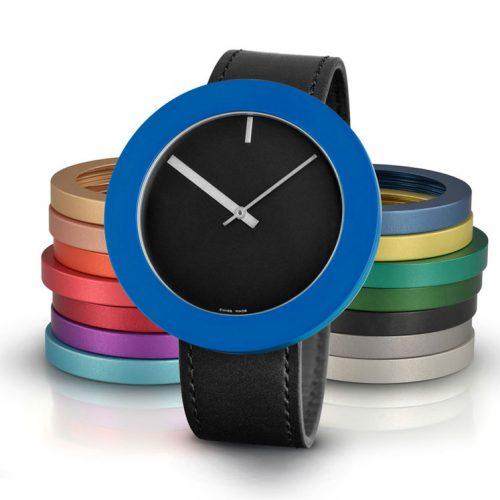Pierre Junod Vignelli Mega horloge zwart zwarte band
